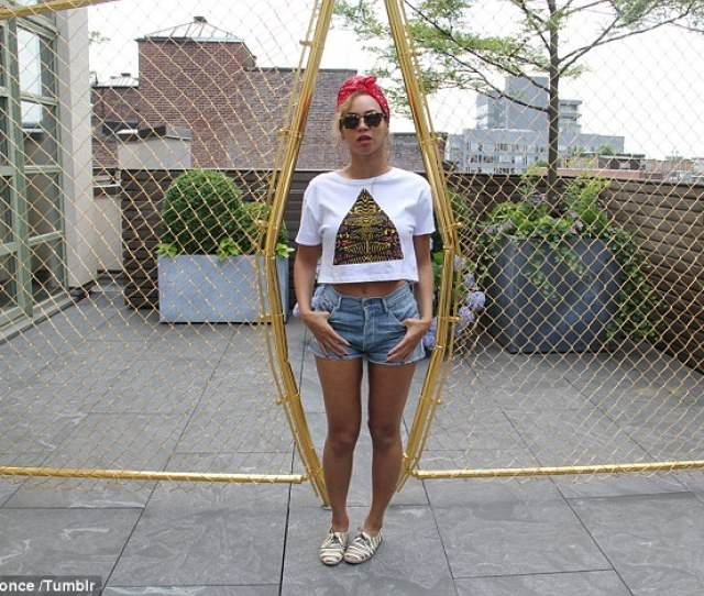 Casual Attire Beyonce Knowles Posted Snaps Of Herself In A Pair Of Denim Shorts On