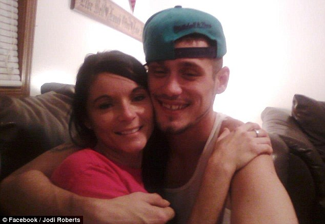 Jail birds: Roberts and her fiancé Jeremiah Lemaster are both currently behind bars in Indiana