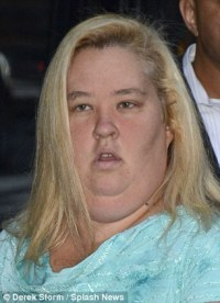 Famous mom: Mama June promoted the upcoming season of Here ...