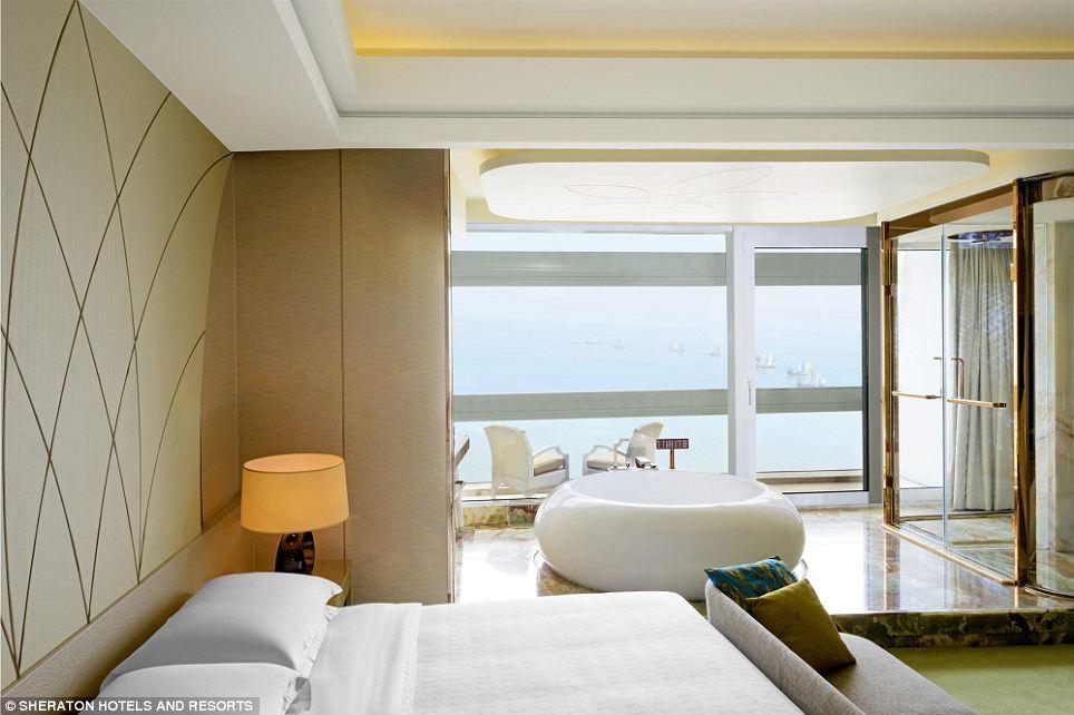 Sheraton Huzhou Hot Spring Resort a gigantic glowing