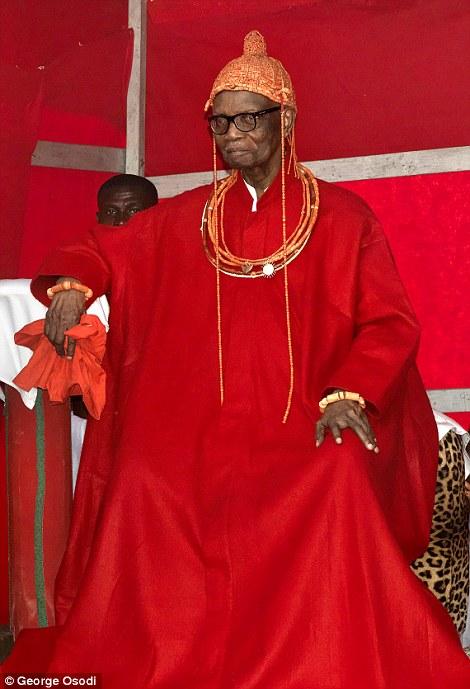 Omo N Oba N Edo Uku Akpolokpolo Erediauwa I is the reigning Oba of Benin Kingdom in the Edo state of Nigeria