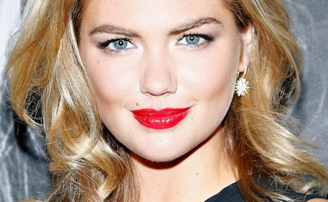 Kate Upton Is Ever The Blonde Bombshell As She Sizzles In