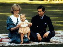 Prince George: First official royal baby photo with Duke ...
