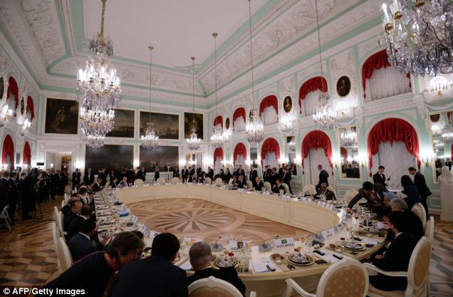 Civil: The dinner table of the G20 summit at Peterhof Palace in Saint Petersburg, Russia, where the G20 summit is taking place