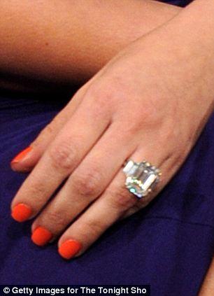 Kim Kardashians Engagement Ring Auctioned For 620k