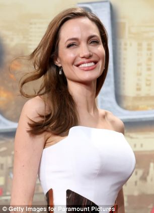 The actress revealed she¿d had a double mastectomy after learning she carried a faulty gene