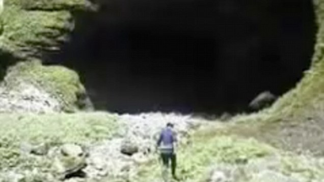 The Cave So Huge It Has Its Own Weather System Touring Instability - Er wang dong cave china large weather system