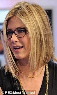 Jennifer Aniston Wears Glasses To Chat With Friends