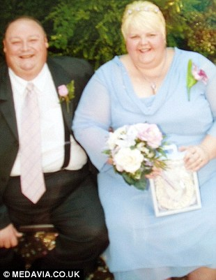 Natalie and Terry on their wedding day, when Terry weighed 25 stone and Natalie weighed nearly 30 stone