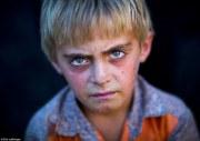 haunting portraits of kurdish refugees
