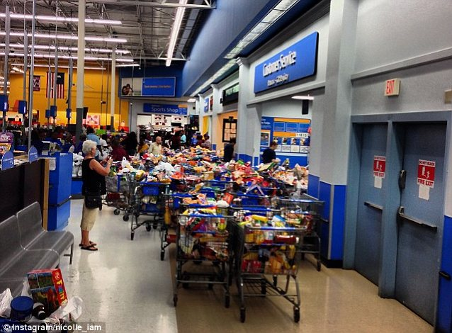 Look familiar? Shoppers on food stamps cleaned out a Louisiana Wal-Mart after a computer glitch removed spending limits on their EBT cards for a few hours on Saturday. Congress now holds the license for a similar spending spree