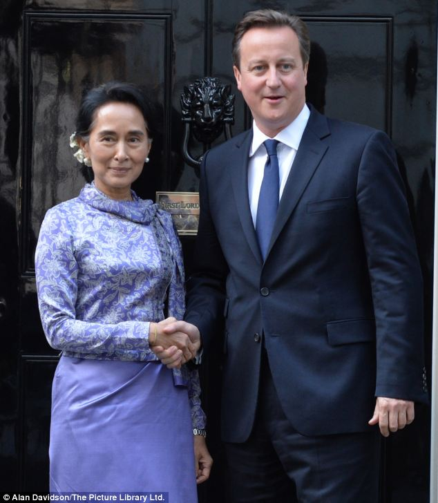 Suu Kyi later met David Cameron at Downing Street where he backed her calls for a change to the Burmese constitution