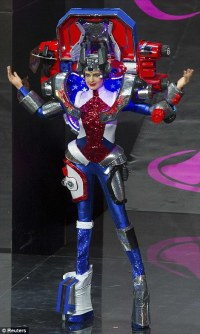 American Miss Universe contestant appears in a bizarre ...
