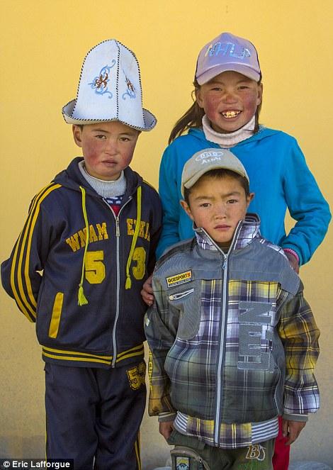 Children at the market in Kyria