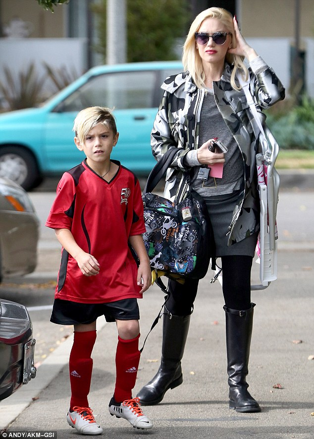 Pregnant Gwen Stefani is an attentive soccer mum at eldest son Kingstons match  Daily Mail Online