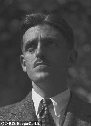 1923 --- Sydney Howard, American playwright and screenwriter. --- Image by © E.O. Hoppé/Corbis