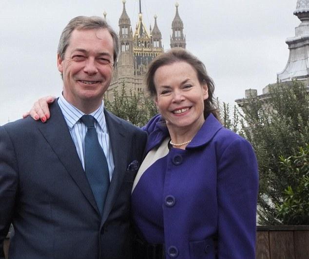 Defected: Ayling abandonó el partido Tory y se unió UKIP en marzo y es un aliado clave del líder del partido, Nigel Farage