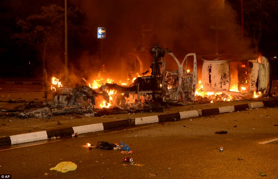 Singapore Riot Hundreds Of Foreign Workers Torch Cars And Attack Police In One Of Worst Riots