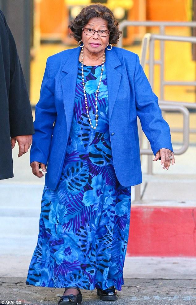 Indo para casa: Katherine Jackson, 83, optou por ignorar o sorvete depois de assistir neto Blanket Jackson a fazer a transição do azul para o cinto de violeta na sua escola de karatê locais em Los Angeles