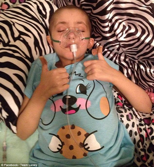 article 0 1A40B09100000578 207 634x689 - Dying Girl Tells Mom Her Last Wish. Then, Thousands Of Strangers Show Up In Tears