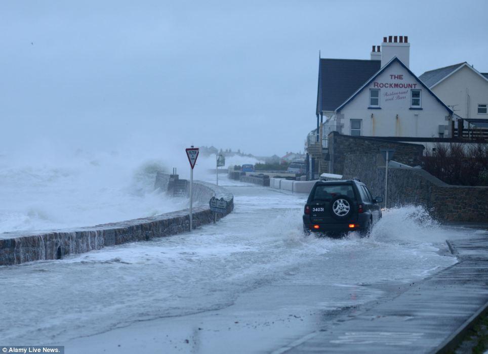 storms in coasts के लिए चित्र परिणाम