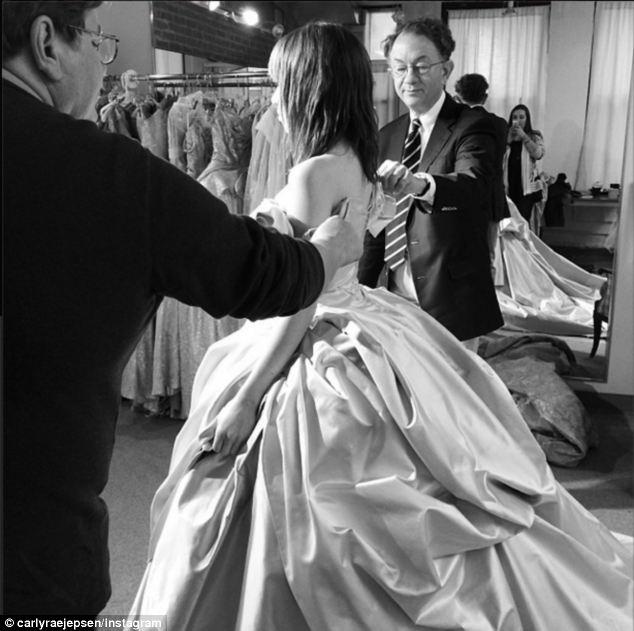 Carly Rae Jepsen Tries On Cinderellas Wedding Dress As