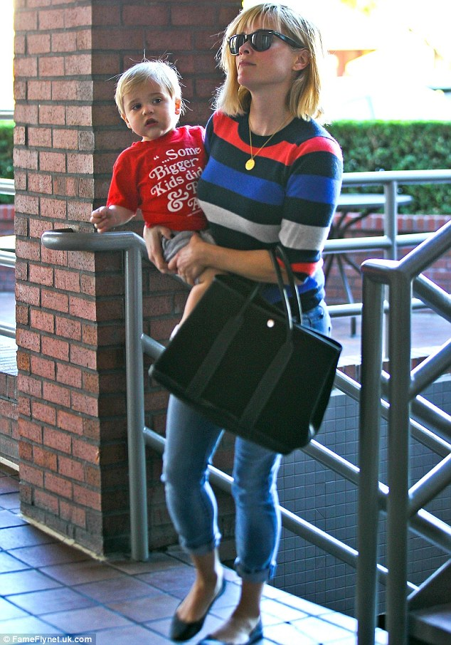 Reese Witherspoon Sweater And Jeans For Excursion With Son