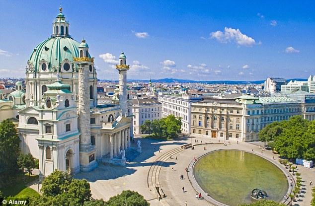 La mujer, estudiante, fue finalmente trasladado de regreso a Viena tras una petición en línea.  La gente cree que su tratamiento podría haber sido porque era musulmán, y que ella habría estado sujeta a las estrictas leyes islámicas relativas a la bebida