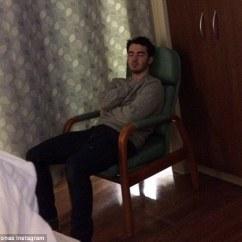 Baby Sleeping Chair Folding Pepperfry Kevin Jonas And Wife Danielle's Newborn Girl Introduced To World Via Sponsored Tweet ...