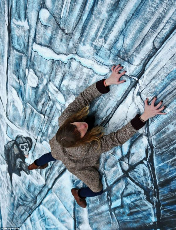 Artists 3d Joe And Max Create Painting In Spitalfields Celebrate Game Of Thrones Daily