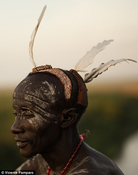 The Karo people decorate their face and bodies to celebrate important festivities and for purely aesthetic reasons