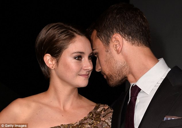 Cosy: Shailene cosied up to her on-screen love interest Theo James, who plays hunky instructor Four <br>