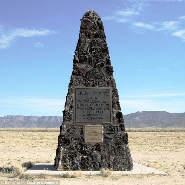 Il Trinity Site, dove prima bomba atomica del mondo è stato fatto esplodere nel luglio 1945, che è vicino alla fonte del pennacchio inspiegabile il White Sands Missile Range