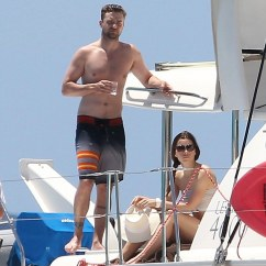 Chair Exercise Justin Timberlake Collins Barber Parts And Jessica Biel Show Off His Hers Beach Relaxing Went Shirtless While On A Boat With In The Caribbean