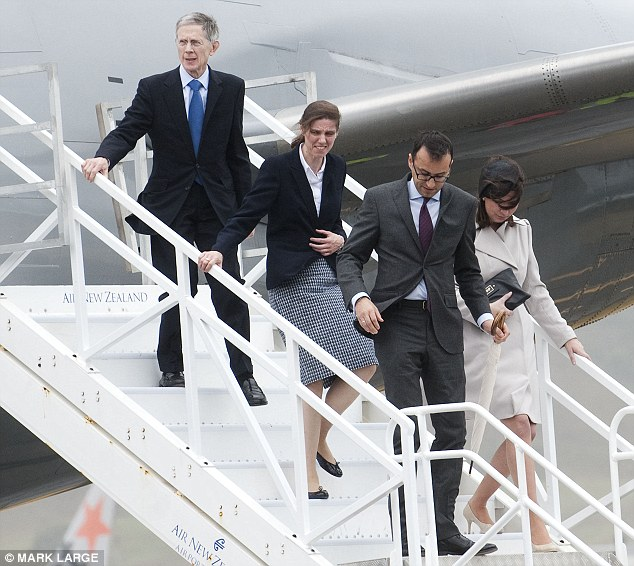 Kate Middleton and Prince William land in NZ with Prince