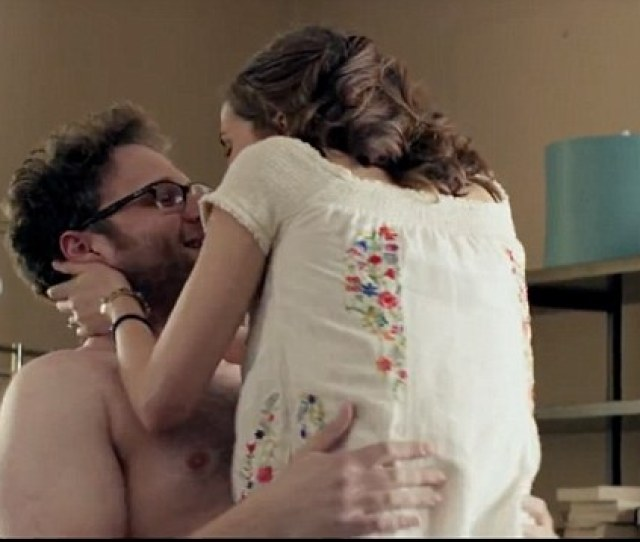 Rose Byrne And Seth Rogen Get It On In Bad Neighbour Trailer Daily Mail Online