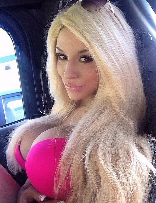 Barbie Girl Courtney Stodden Posed In A Hot Pink Bikini Top In The Back Of