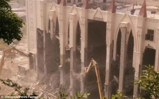 Four bulldozers started demolishing Sanjiang church in Wenzhou on Monday, after six weeks of protests
