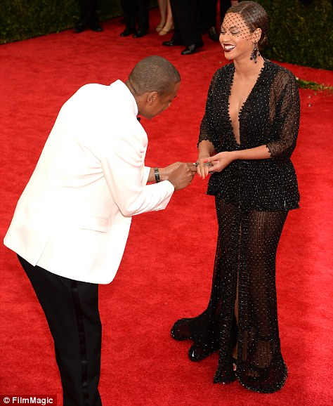 What a gent: Bey lost her ring but luckily her eagle-eyed husband saw the gem
