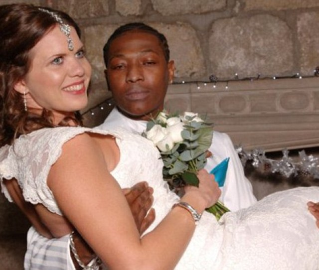 Mark Thompson Holds His Wife Adriana Ford Thompson At Their Wedding The Cambridge Graduate