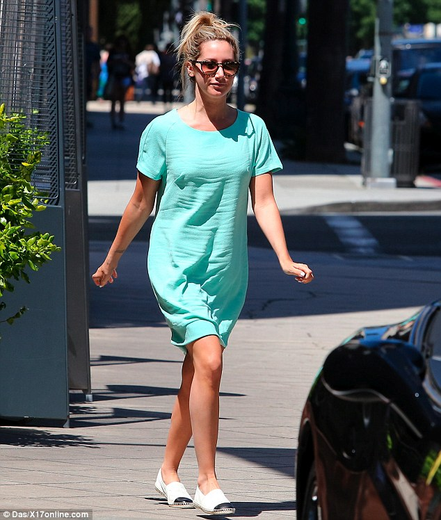 Make Up Free Ashley Tisdale Hits The Shops In Turquoise