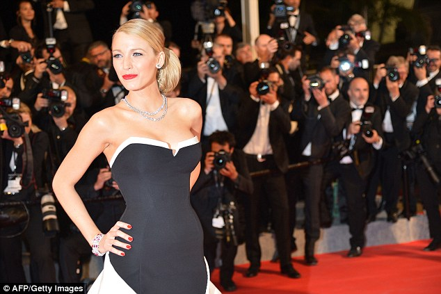 Gorgeous: The star wore a strapless monochrome gown that was the perfect balance of elegance and glamour