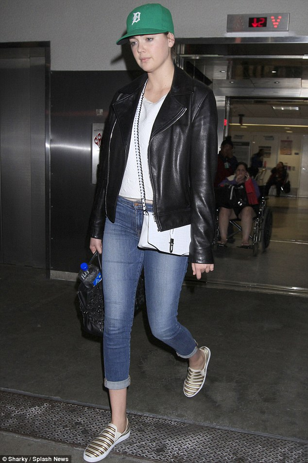 Sports illustrated: Kate Upton stepped out make-up free and wearing a Detroit Tigers baseball cap as she arrived into LAX