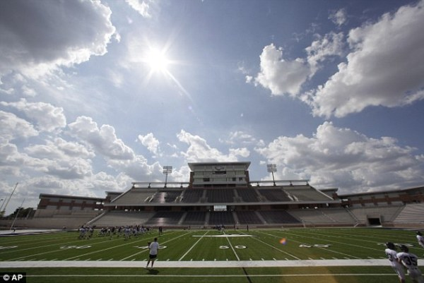 Texas high schools 60m Eagle Stadium to close for whole