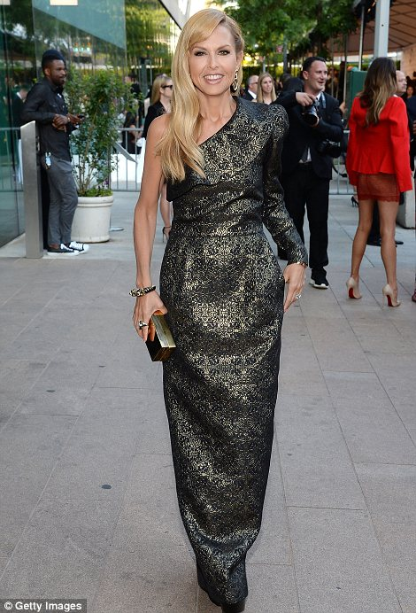 Blondes do have more fun! Rachel Zoe looked elegant in a stunning custom made gown she designed herself while Brie Larson was pretty in a star print black dress