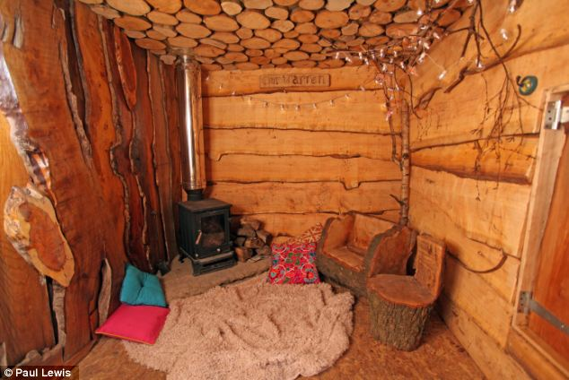 Father builds his children bespoke Hobbit house  Daily Mail Online