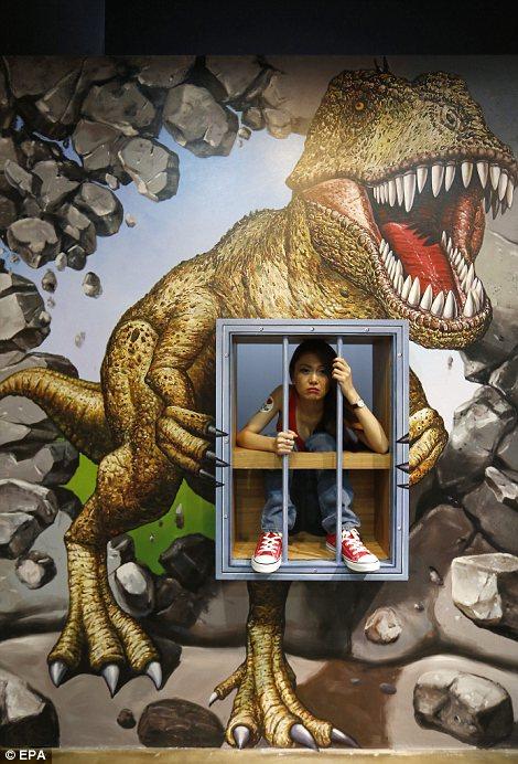 Inside Singapores Trick Eye museum where mindbending 3D
