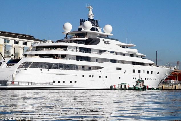 Ahoy lá: Leonardo DiCaprio emprestado superyacht, o Topaz, para garantir seus amigos começa a desfrutar a Copa do Mundo em grande estilo