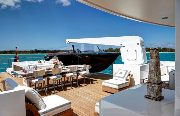 Yacht that hosted Sir Paul McCartney and Elizabeth Taylor