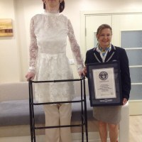 7-Foot Turkish Girl Named World's Tallest Teen
